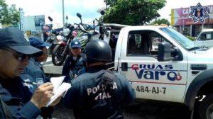 La Policía Vial verifica que los conductores cumplan con la documentación que exige la Ley de Tránsito.
