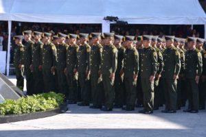 Egresan militares con los conocimientos castrenses, científicos, técnicos y humanísticos en el área de la salud.