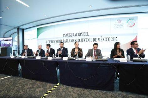 Llaman a jóvenes a participar en política y a combatir la corrupción en beneficio de México