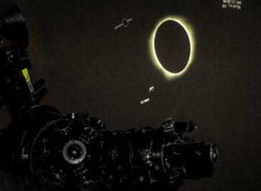 Disfrutaron familias oaxaqueñas el eclipse total de Sol desde la mirada de la NASA