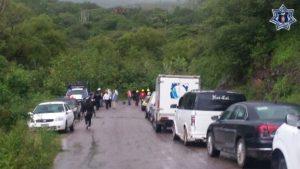 Se registran daños en algunos tramos carreteros de la entidad.