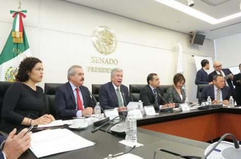 Deben empresas responder por Paso Exprés, señala Ruiz Esparza a senadores y diputados
