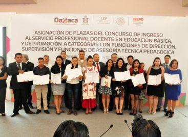 Asigna Gobierno de Oaxaca 366 plazas de nuevo ingreso y de promoción a docentes idóneos