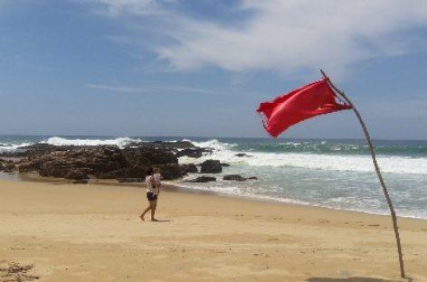 """Mantienen operativo de vigilancia en costas de Oaxaca por """"Mar de Fondo"""""""