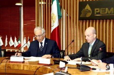 Suscriben PEMEX y Fundación UNAM contrato de donación para otorgar becas a estudiantes