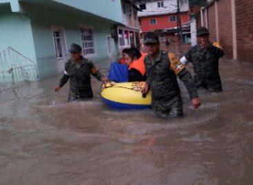 Más de 100 viviendas y 600 personas afectadas por desbordamientos de ríos en Guerrero