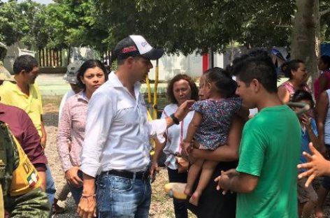 Brindan apoyo a familias de Ciudad Ixtepec por sismo de 6.1 grados de este sábado