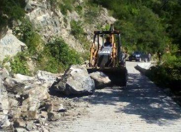 Intensifica CAO trabajos para restablecer la comunicación en la red carretera estatal