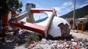 El gobernador añadió que 78 templos catalogados como edificios históricos también se vieron afectados.