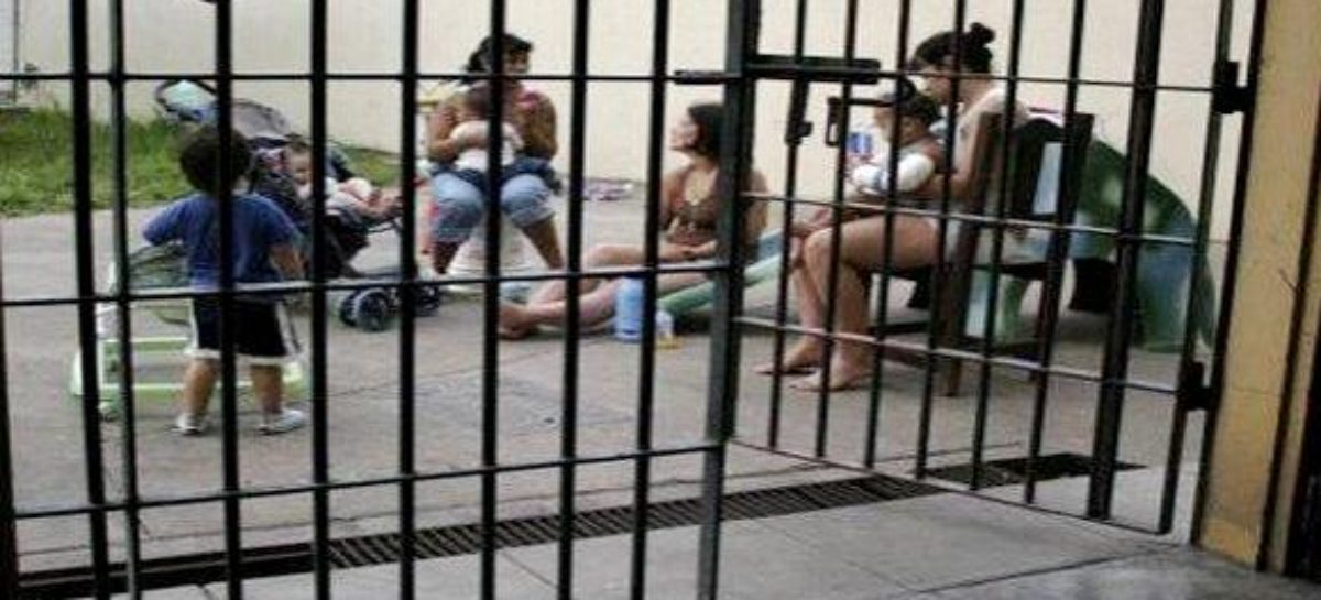 Vulnerados derechos básicos de menores que viven con sus madres en prisión: IBD