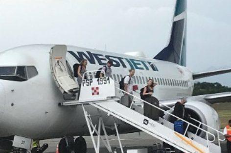 Incrementan la conectividad aérea Canadá-Huatulco