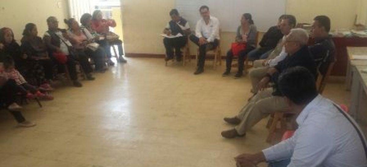 Entrega Gobierno de Oaxaca a escuelas dictámenes favorables de Protección Civil