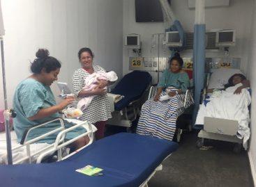 Después de los sismos, nacen 155 bebés en el Hospital Móvil de Juchitán, Oaxaca