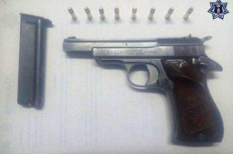 Detiene Policía Estatal a pasajero de camioneta que viajaba armado en Ocotlán