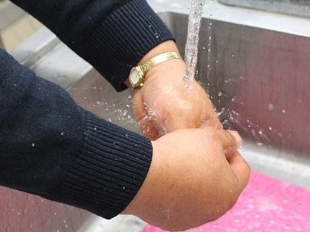 Recomiendan lavado de manos