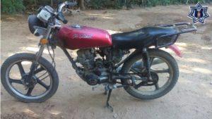 La motocicleta cuenta con reporte de robo vigente.