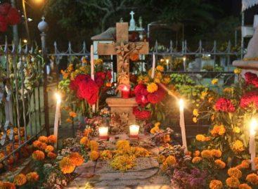 """Viven municipios de Oaxaca tradiciones y cultura durante """"Día de Muertos"""""""