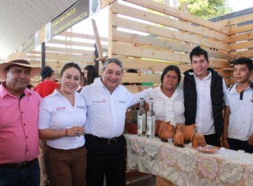 Inaugura Secretaría de Economía Segunda Feria del Mezcal Minero en Minas, Oaxaca