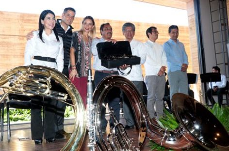 Entrega gobierno instrumentos musicales a comunidades de Oaxaca; Ejercen 2.4 mdp