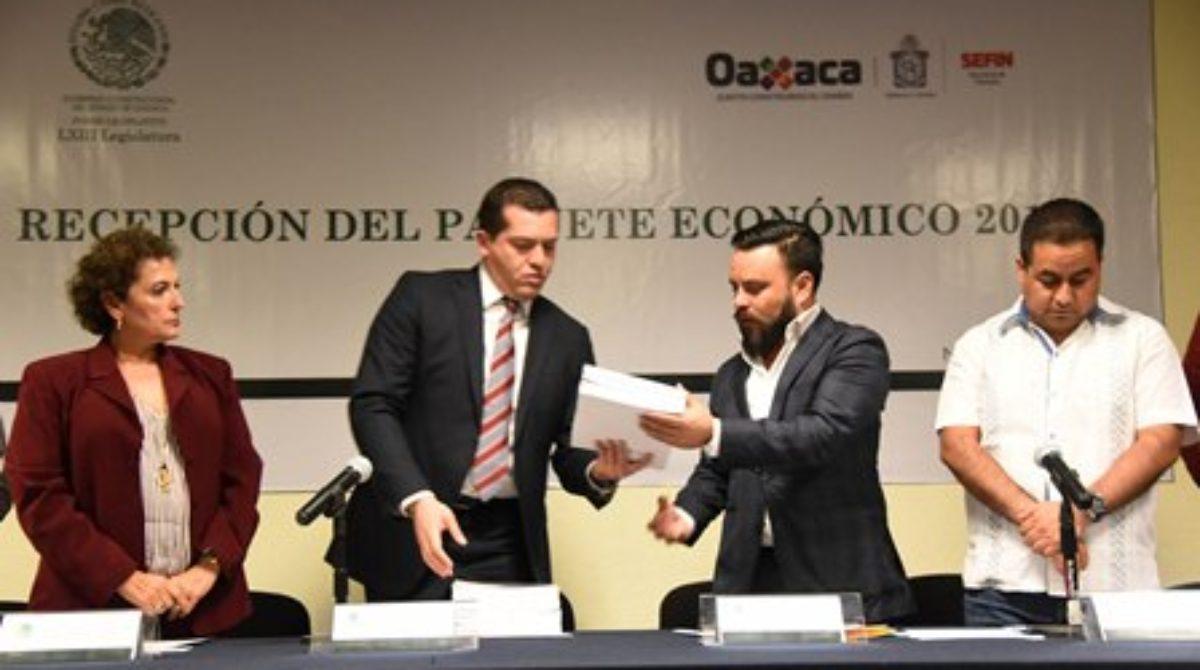 Recibe Legislativo de Oaxaca Paquete Económico 2018