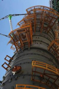 Reconfiguran refinería para incrementar la producción de gasolina, diesel y turbosina.