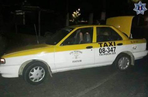 Localizan arma de fuego en un taxi en la Costa; Cinco detenidos