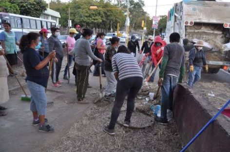 Realizan labores de rescate y limpieza de espacios públicos en Santa Lucía del Camino
