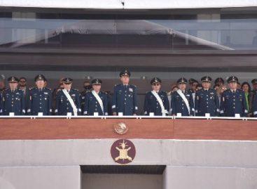 Entregan condecoraciones y reconocimientos a generales de División que pasan a retiro