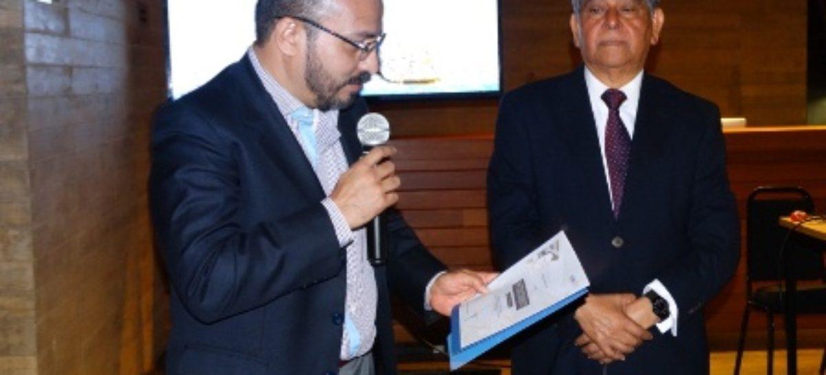 "Presenta Gerardo Castellanos ""Crónicas Verdaderas de Santa María Oaxaca"""