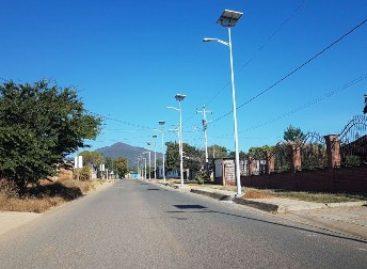 Concluyen obra de alumbrado público en San Agustín Yatareni, Oaxaca