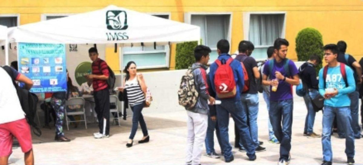 Todo estudiante tiene derecho a los servicios médicos gratuitos: IMSS