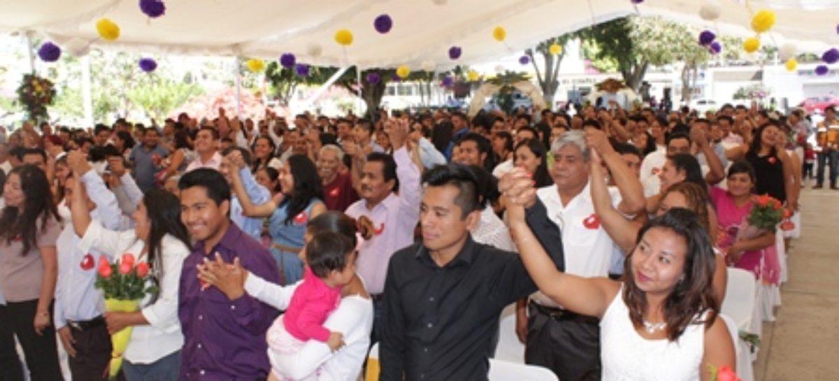 Invita DIF Xoxocotlán a parejas a legalizar su unión en Bodas Colectivas 2018