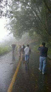Se registran derumbes en la carretera Oaxaca-Tuxtepec.