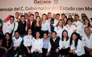 El equipo DIF Oaxaca desea a las familias oaxaqueñas un Feliz Año Nuevo 2018.