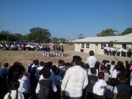 99% de escuelas en Oaxaca