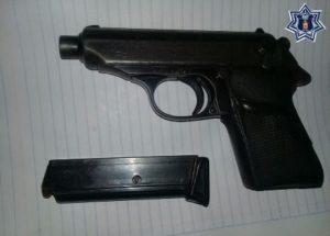 Ambas armas de fuego fueron puestas a disposición de las autoridades.