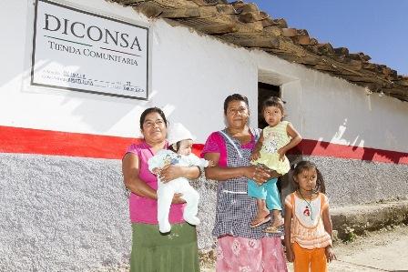 DICONSA abastece el centro del país