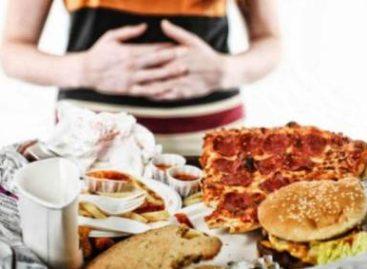 Comer en exceso sin subir de peso, puede ser signo de parásitos intestinales: IMSS
