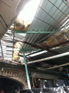 En Huajuapan el fuerte viento provocó la caída de techados.