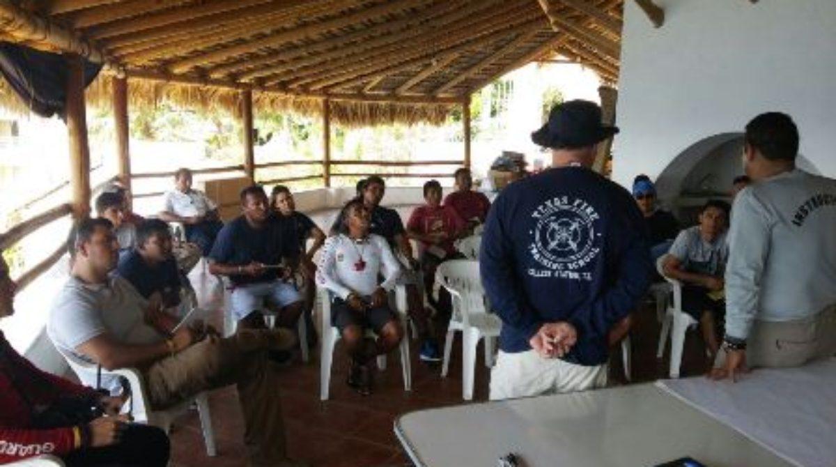 Capacita Comando Norte de EU en materia de rescate acuático en Oaxaca