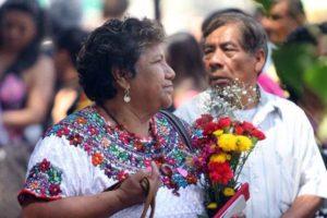 Adultos mayores se darán cita para disfrutar de melodías románticas, poemas y regalar.