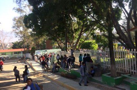 Reinician clases en Escuela Secundaria Técnica 100 de San Antonio de la Cal, Oaxaca
