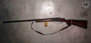 Escopeta calibre 20, marca Steven, modelo 94, matrícula 555.