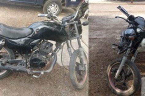 Aseguran policías estatales dos motocicletas en el Istmo; dos detenidos