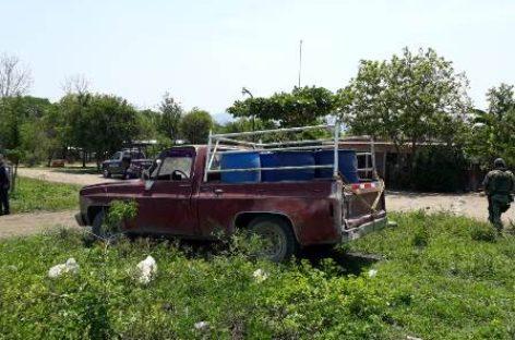 Aseguran fuerzas estatales y Ejército Mexicano 800 litros de hidrocarburo en Tuxtepec