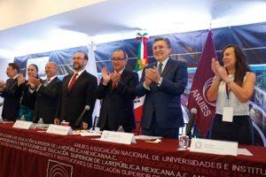 Consolidar educación, en y para los derechos humanos, elemento indispensable.