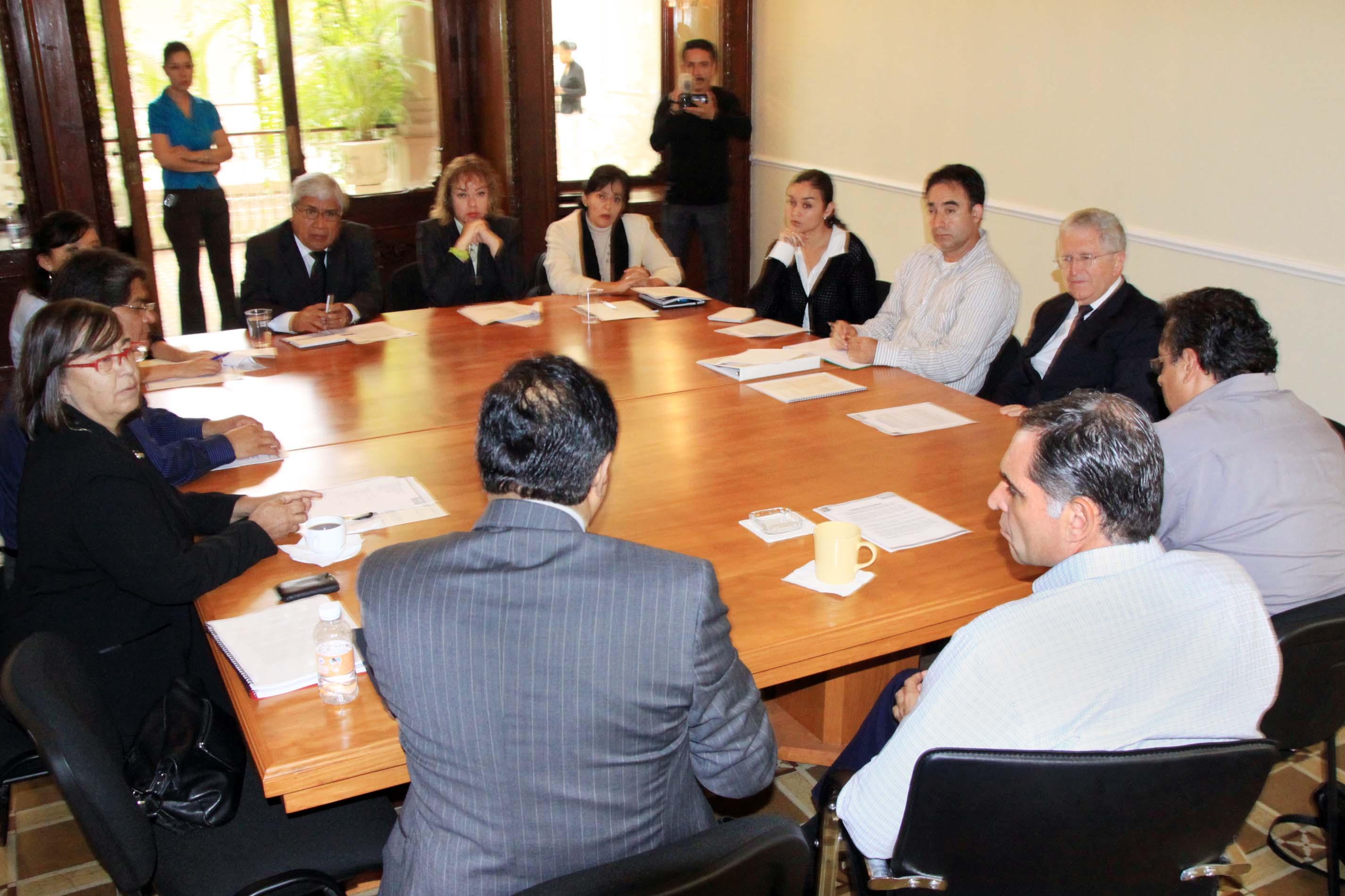 El gobernador electo se reunió con directivos de Educación Superior en el estado