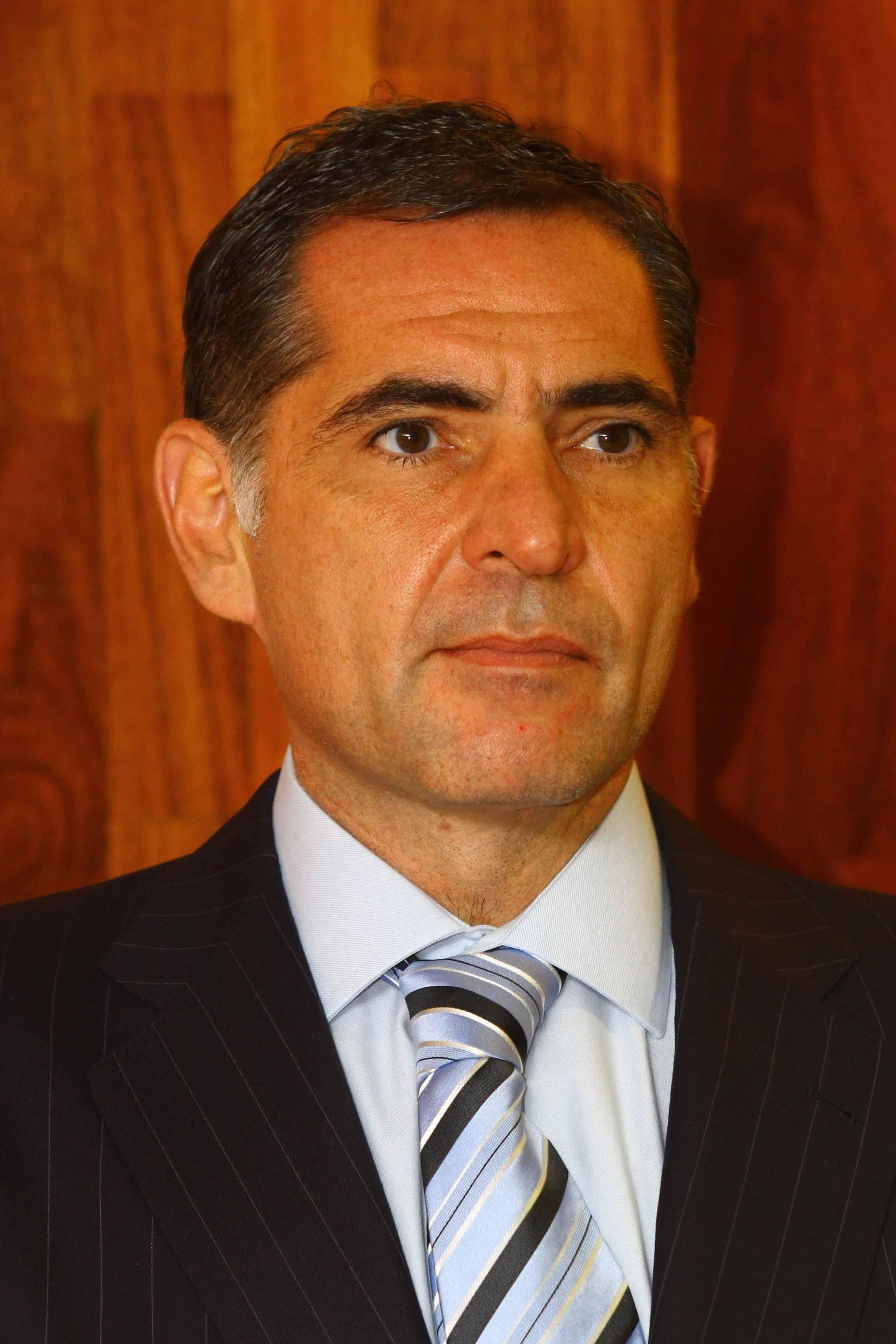 "¿Inicia Gabino ""cacería de brujas""?; destituyen a siete funcionarios de Salud"