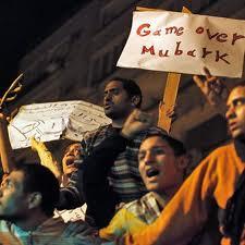UE pide transición a democracia en Egipto; EEUU condena violencia