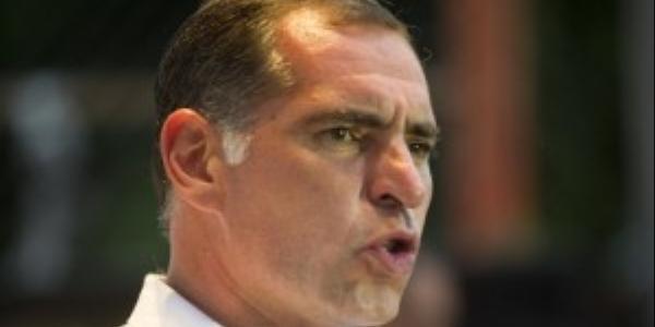 Gabino Cué niega a maestros disculpa pública